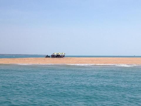 Destination: Fannie Bay Sandbar in Darwin Harbour